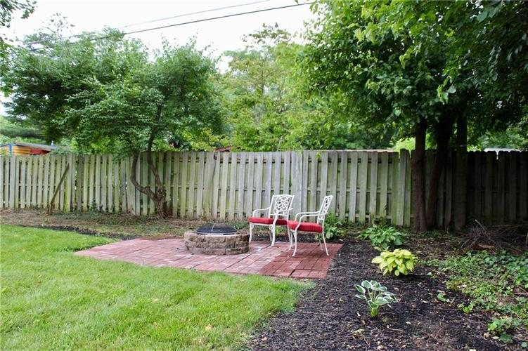 9212 Warwick Road Indianapolis, IN 46240 | MLS 21661952 | photo 5