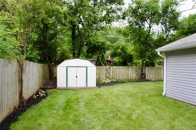 9212 Warwick Road Indianapolis, IN 46240 | MLS 21661952 | photo 8
