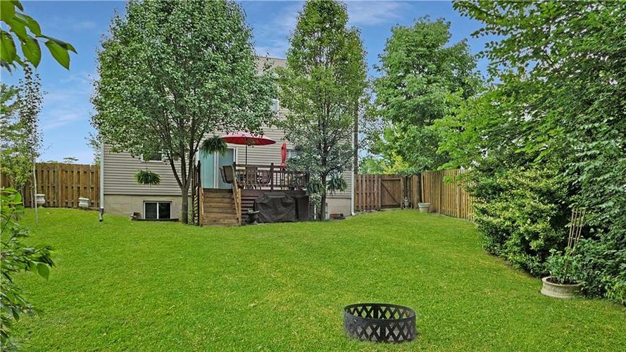 5625 Forest Rise Court Indianapolis, IN 46203 | MLS 21661989 | photo 4