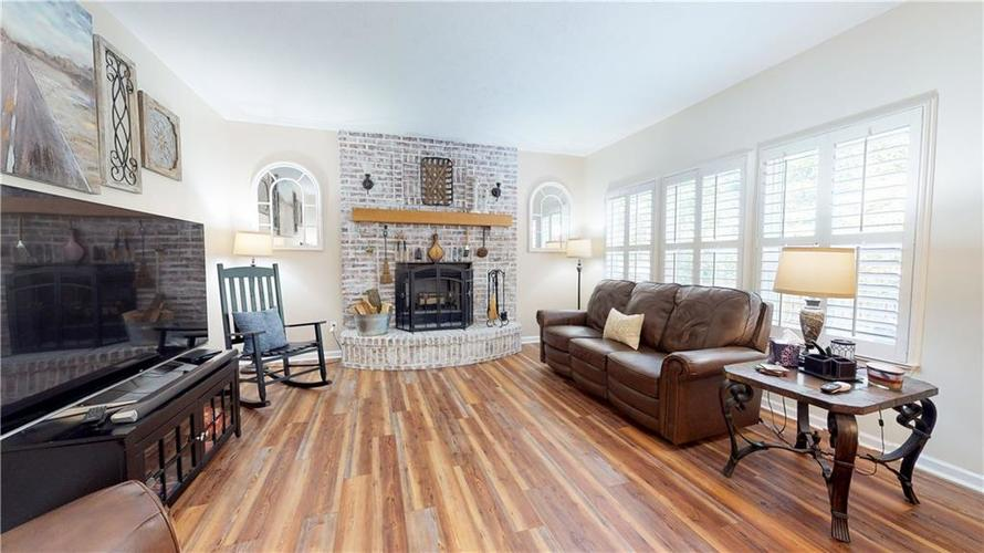 5625 Forest Rise Court Indianapolis, IN 46203 | MLS 21661989 | photo 7