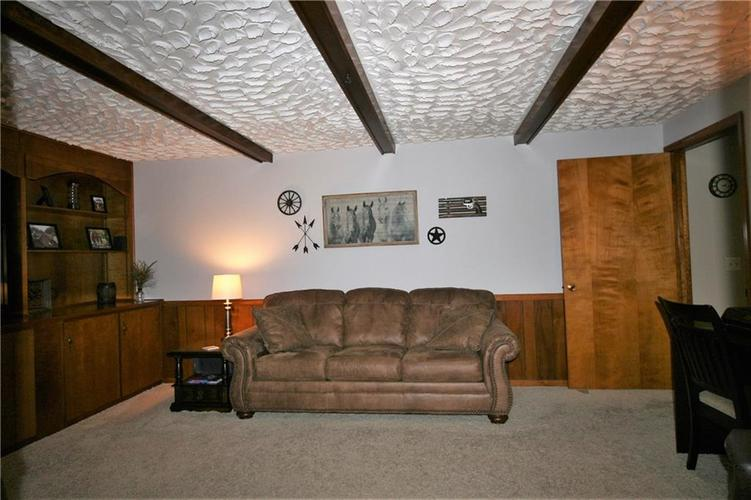 807 Canal Street Anderson, IN 46012 | MLS 21662065 | photo 17