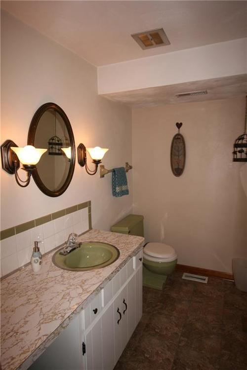 807 Canal Street Anderson, IN 46012 | MLS 21662065 | photo 19