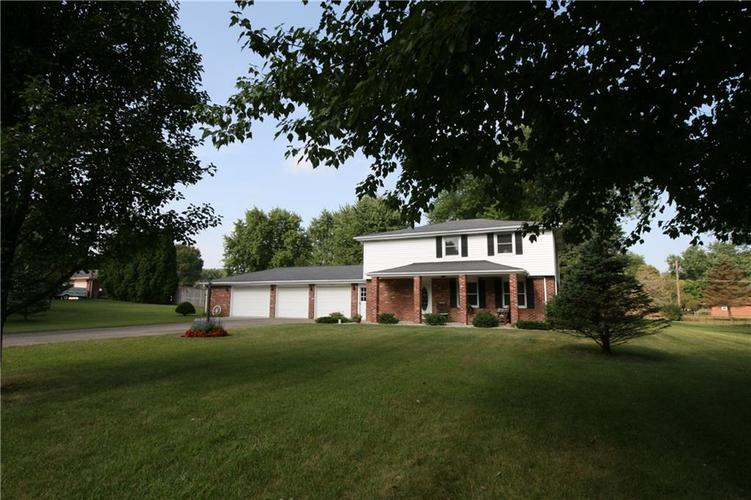 807 Canal Street Anderson, IN 46012 | MLS 21662065 | photo 2
