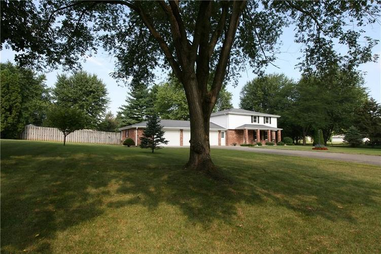 807 Canal Street Anderson, IN 46012 | MLS 21662065 | photo 3
