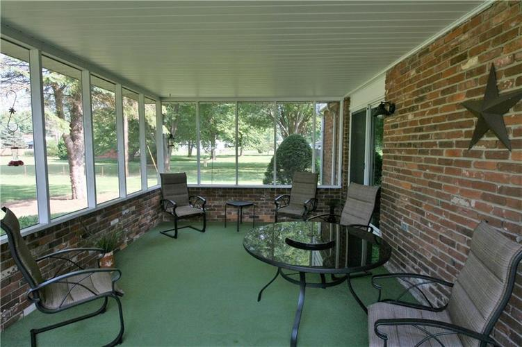 807 Canal Street Anderson, IN 46012 | MLS 21662065 | photo 9