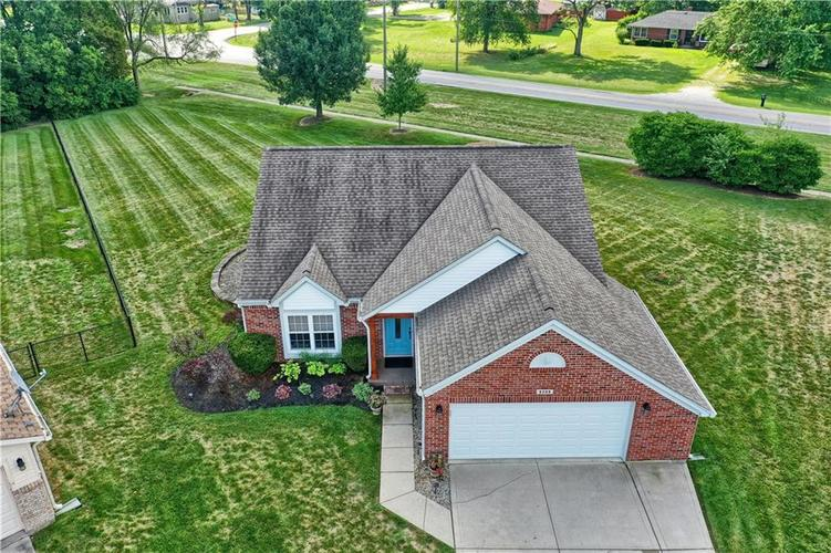 6209  Weller Circle Indianapolis, IN 46268 | MLS 21662077