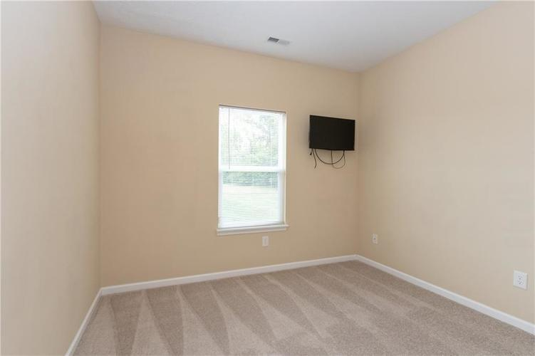 5027 Long Iron Drive Indianapolis, IN 46235 | MLS 21662146 | photo 14