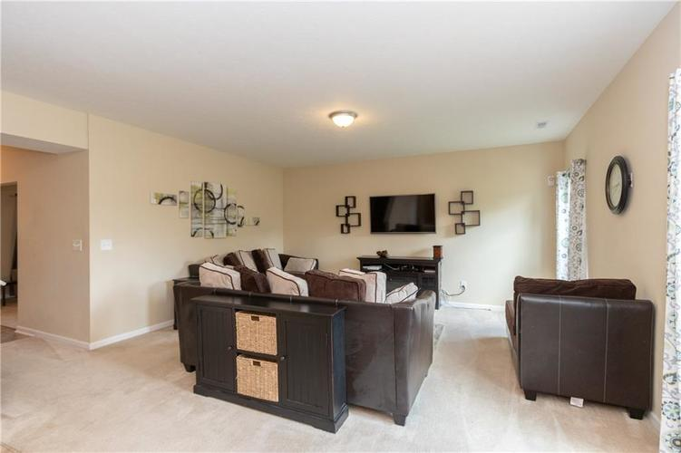 5027 Long Iron Drive Indianapolis, IN 46235 | MLS 21662146 | photo 2