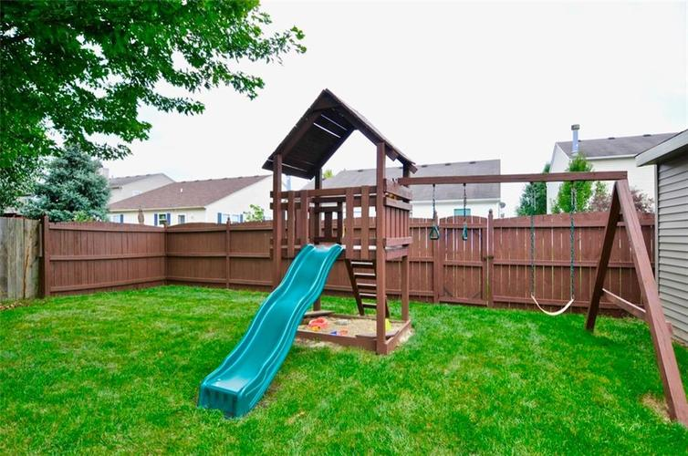 5726 N Plymouth Court McCordsville, IN 46055 | MLS 21662188 | photo 23