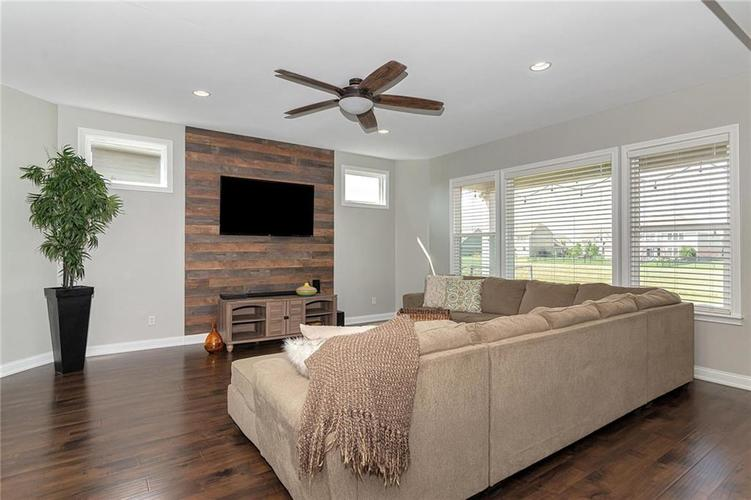 9958 Copper Saddle Bend Fishers, IN 46040 | MLS 21662268 | photo 5