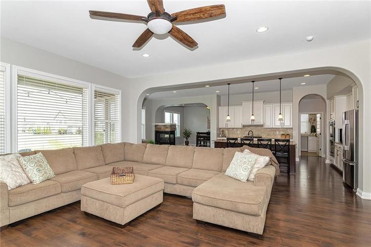 9958 Copper Saddle Bend Fishers, IN 46040 | MLS 21662268 | photo 6