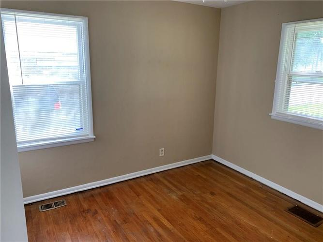 3443 S SADLIER Drive Indianapolis, IN 46239 | MLS 21662269 | photo 10