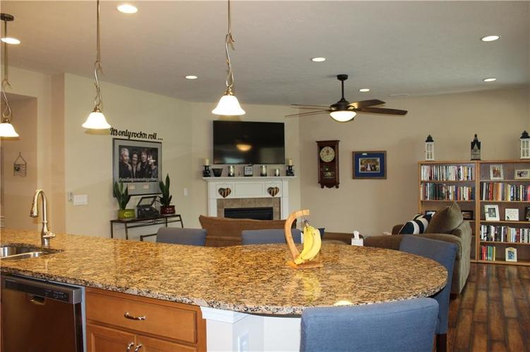 13217 Balletto Way Fishers, IN 46037   MLS 21662289   photo 4