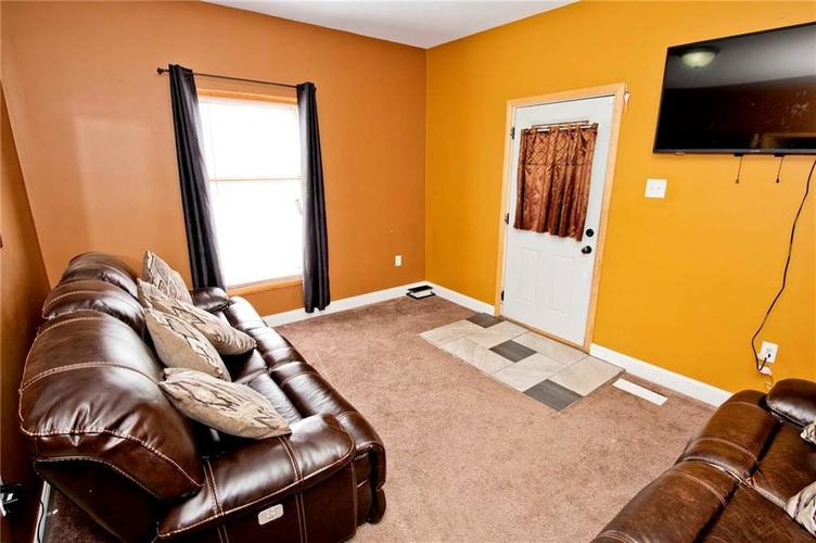 1426 E Kelly Street Indianapolis, IN 46203 | MLS 21662334 | photo 3