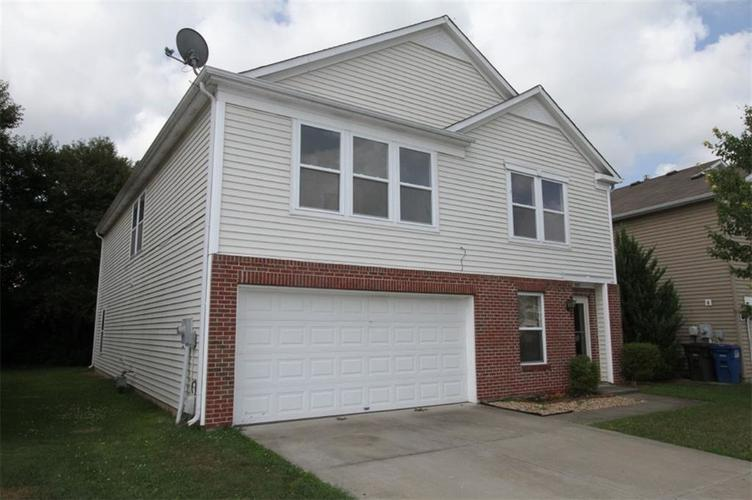 907 BALTO Drive Shelbyville, IN 46176 | MLS 21662337 | photo 2