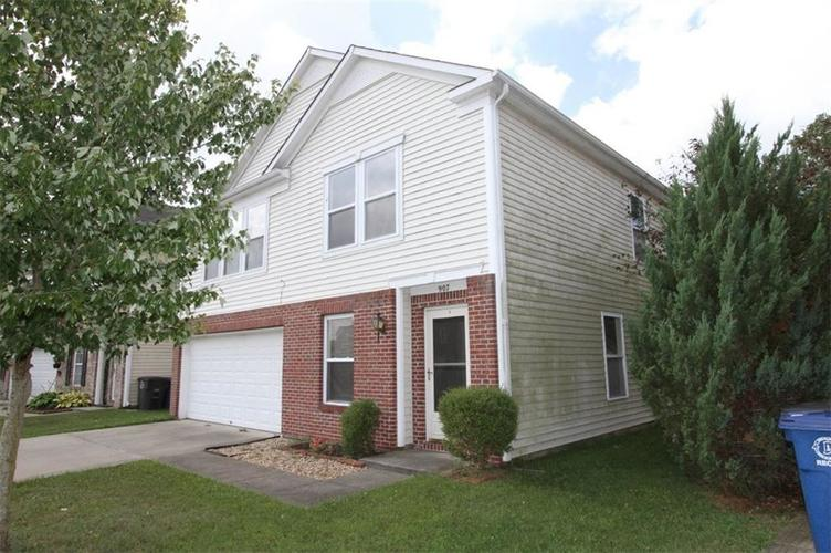 907 BALTO Drive Shelbyville, IN 46176 | MLS 21662337 | photo 3