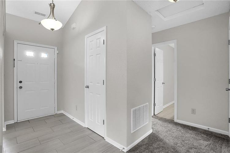 7319 Jackie Court Indianapolis, IN 46221 | MLS 21662385 | photo 4