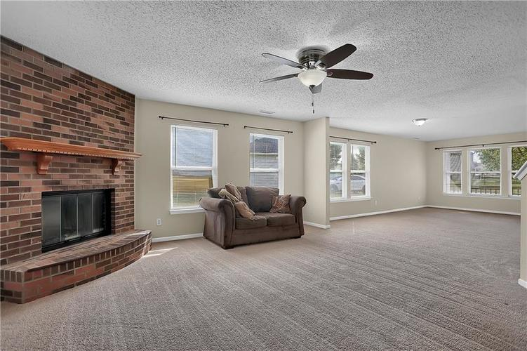 6744 Graybrook Drive Indianapolis, IN 46237 | MLS 21662445 | photo 10