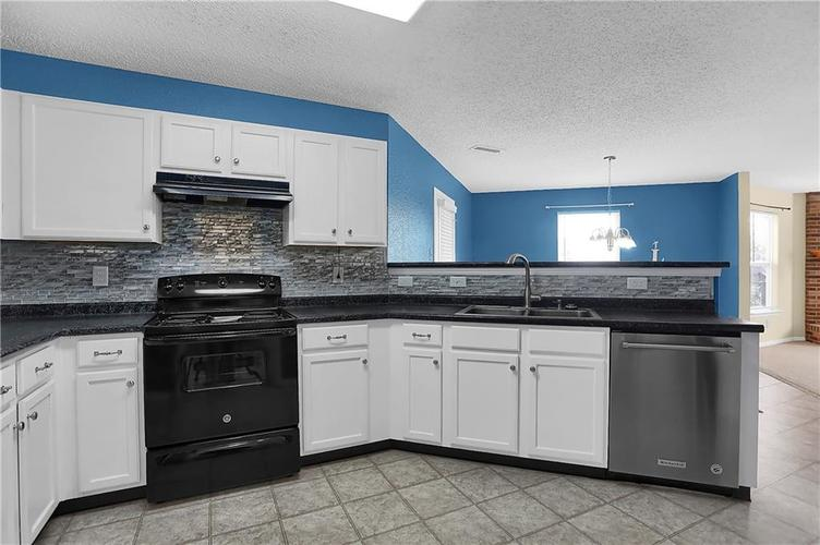 6744 Graybrook Drive Indianapolis, IN 46237 | MLS 21662445 | photo 14