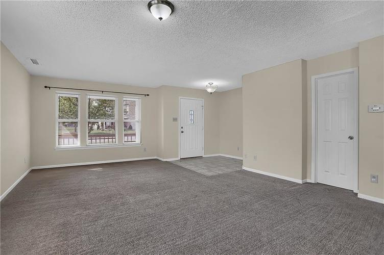 6744 Graybrook Drive Indianapolis, IN 46237 | MLS 21662445 | photo 5