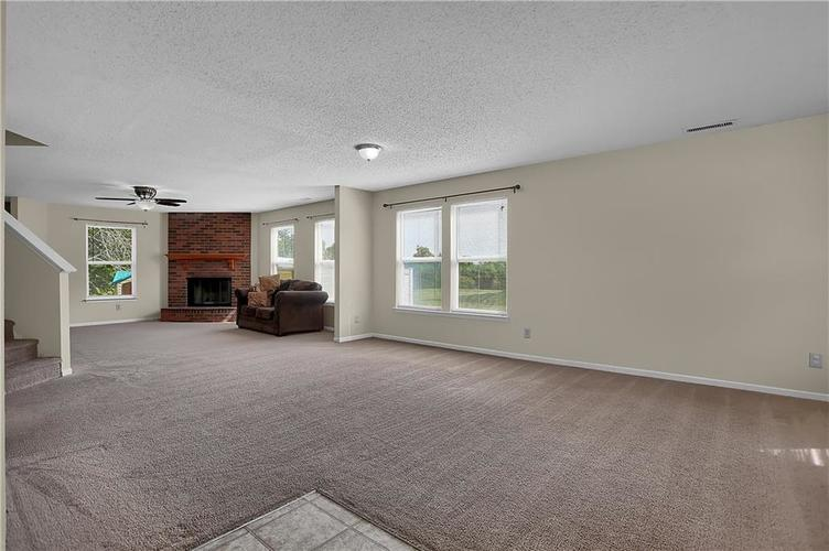 6744 Graybrook Drive Indianapolis, IN 46237 | MLS 21662445 | photo 7