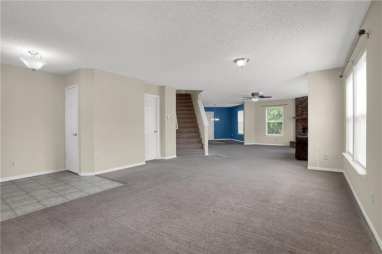 6744 Graybrook Drive Indianapolis, IN 46237 | MLS 21662445 | photo 8