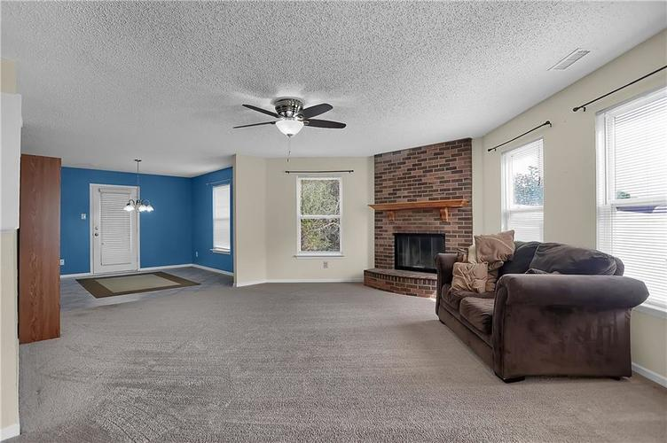 6744 Graybrook Drive Indianapolis, IN 46237 | MLS 21662445 | photo 9