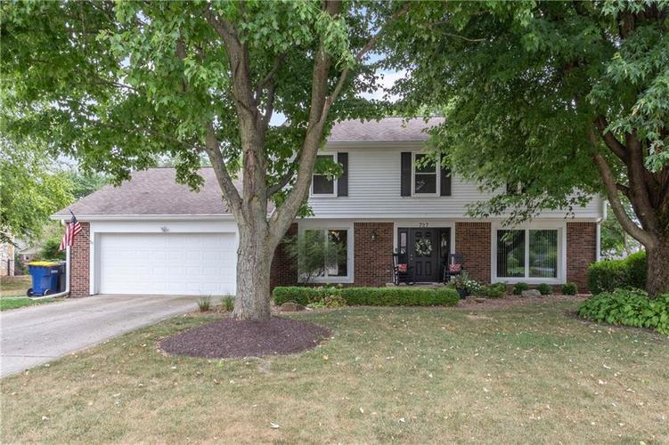 727 Hawthorne Drive Carmel, IN 46033 | MLS 21662451 | photo 1