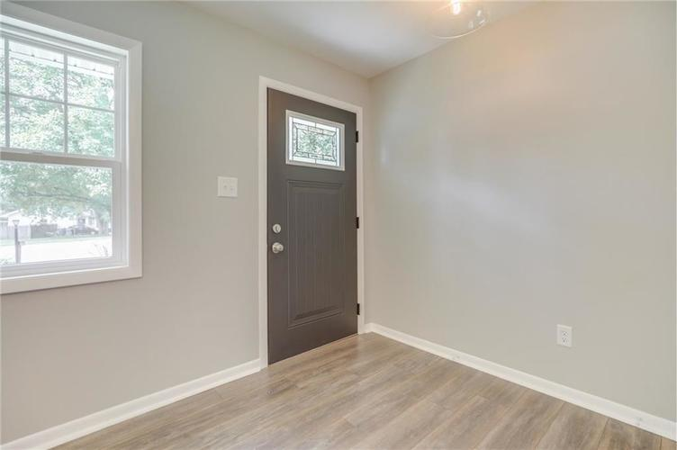 1847 Newhaven Drive Indianapolis, IN 46231 | MLS 21662467 | photo 7