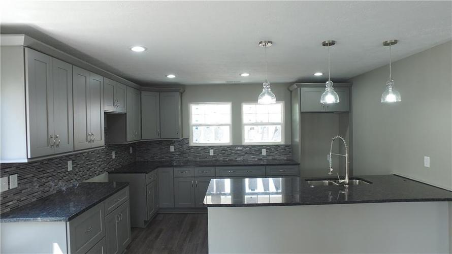 5307 Rocky Mountain Drive Indianapolis, IN 46237 | MLS 21662500 | photo 2