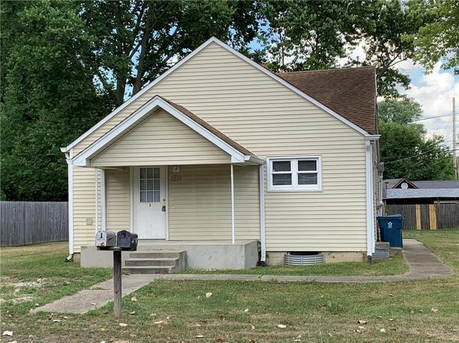3255 Collier Street Indianapolis IN 46221 | MLS 21662509 | photo 1