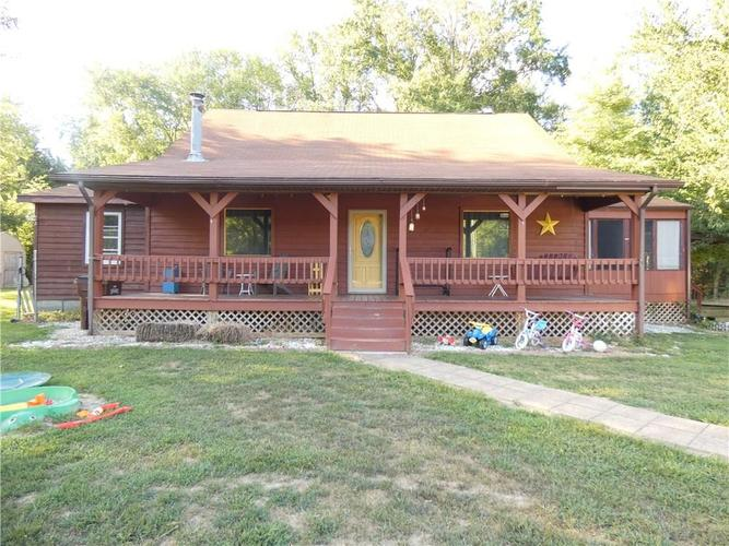 12534 E County RD 525 S  Crothersville, IN 47229   MLS 21662527