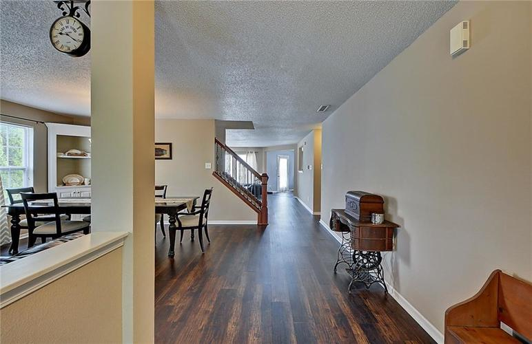 5545 Noble Drive Indianapolis, IN 46234 | MLS 21662554 | photo 10