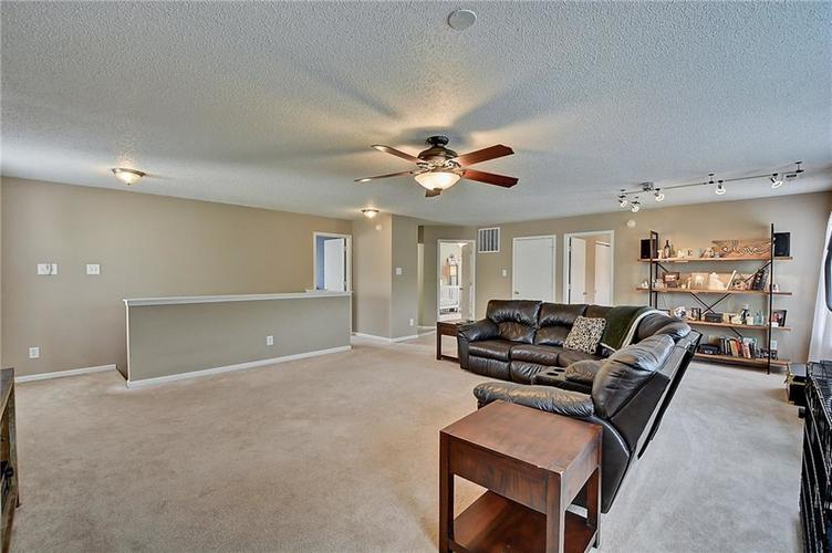 5545 Noble Drive Indianapolis, IN 46234 | MLS 21662554 | photo 20