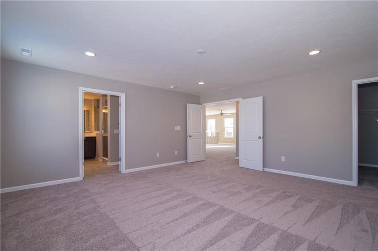 7131 Birch Leaf Drive Indianapolis, IN 46259 | MLS 21662556 | photo 17