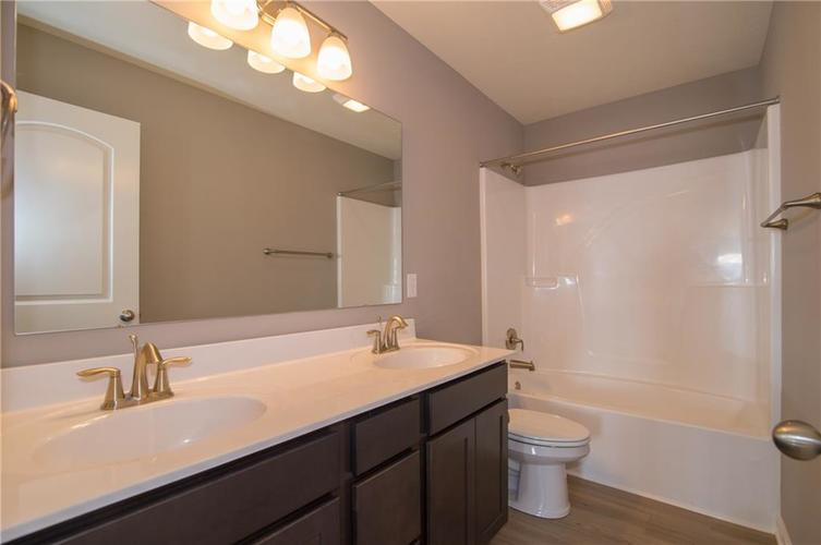 7131 Birch Leaf Drive Indianapolis, IN 46259 | MLS 21662556 | photo 24