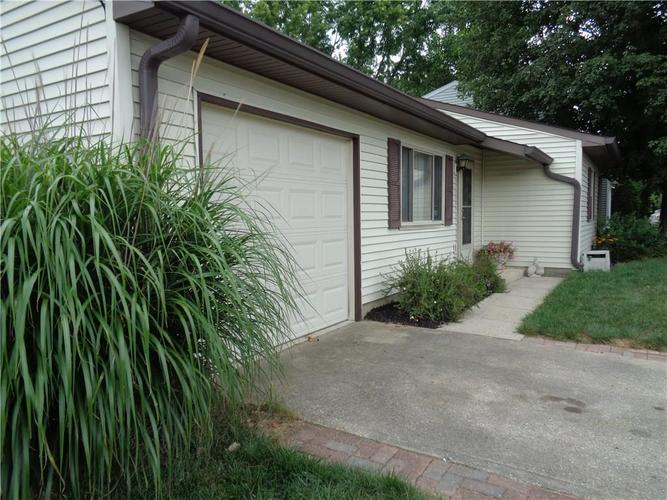 1316 Butternut Lane Indianapolis, IN 46234 | MLS 21662559 | photo 2