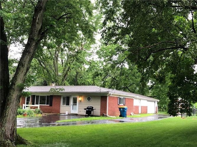 10902  Willowmere Drive Indianapolis, IN 46280 | MLS 21662575