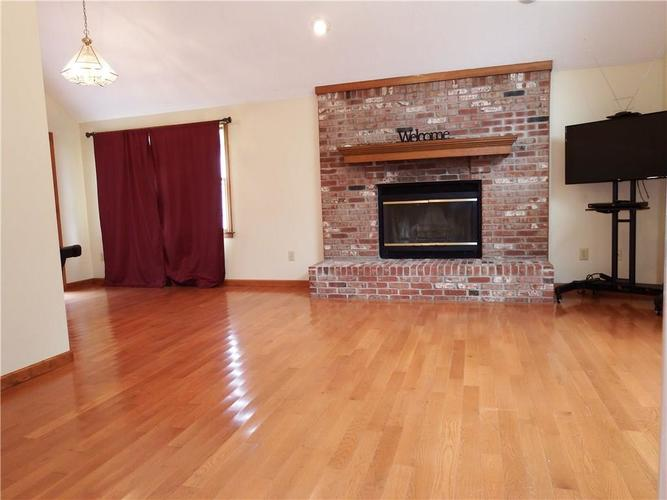 3983 Cranberry Drive Greenfield, IN 46140   MLS 21662599   photo 7