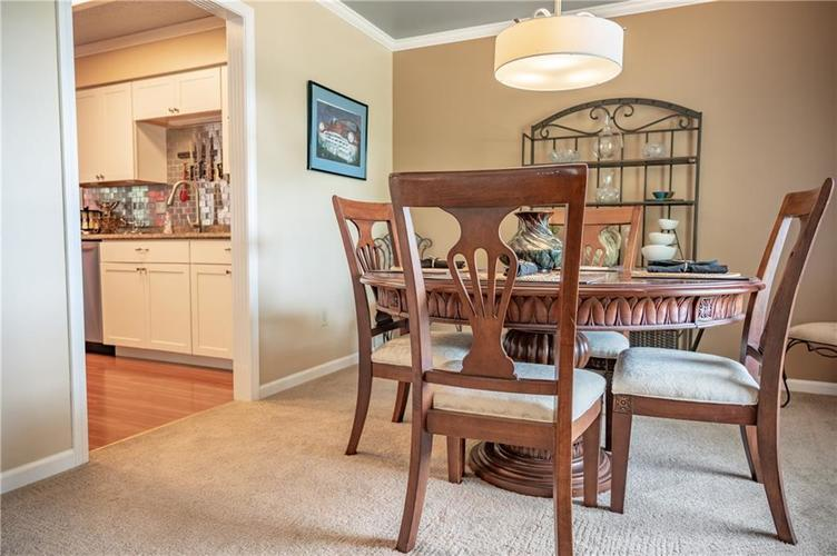 11302 Bloomfield Drive S Indianapolis, IN 46259 | MLS 21662622 | photo 11