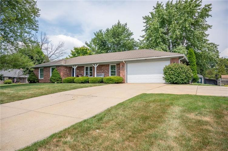 11302 Bloomfield Drive S Indianapolis, IN 46259 | MLS 21662622 | photo 2