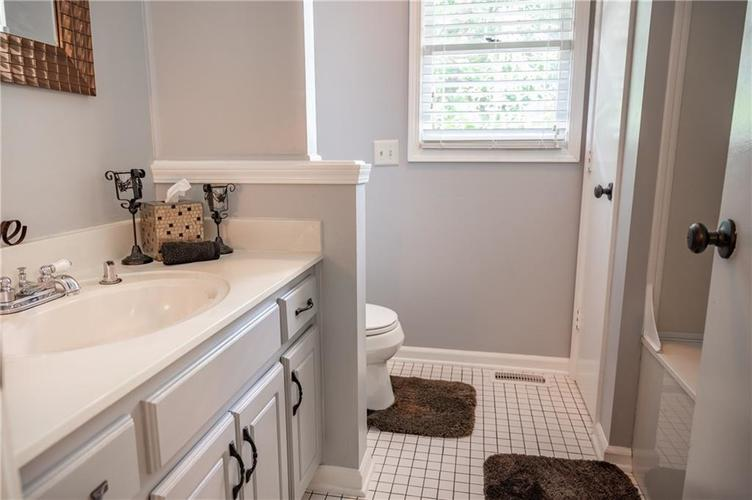 11302 Bloomfield Drive S Indianapolis, IN 46259 | MLS 21662622 | photo 21