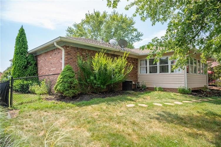 11302 Bloomfield Drive S Indianapolis, IN 46259 | MLS 21662622 | photo 26
