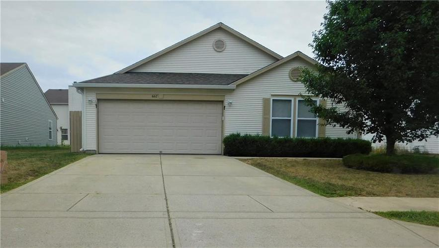 667 Hickory Pine Drive Whiteland, IN 46184 | MLS 21662628 | photo 1