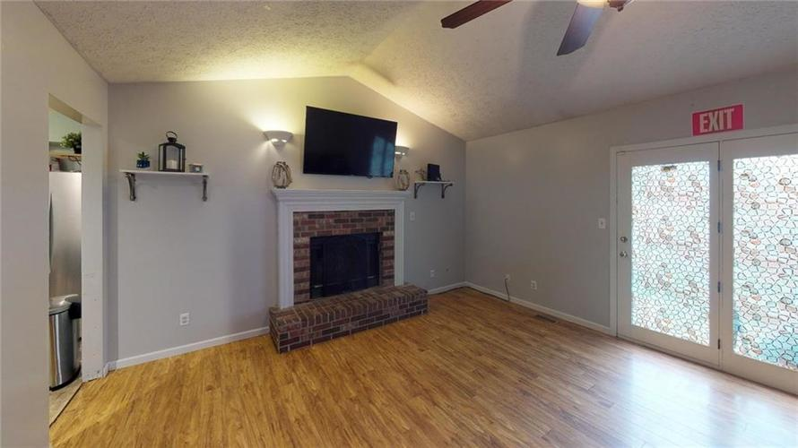 6011 Mcclellan Court Indianapolis, IN 46254 | MLS 21662642 | photo 13