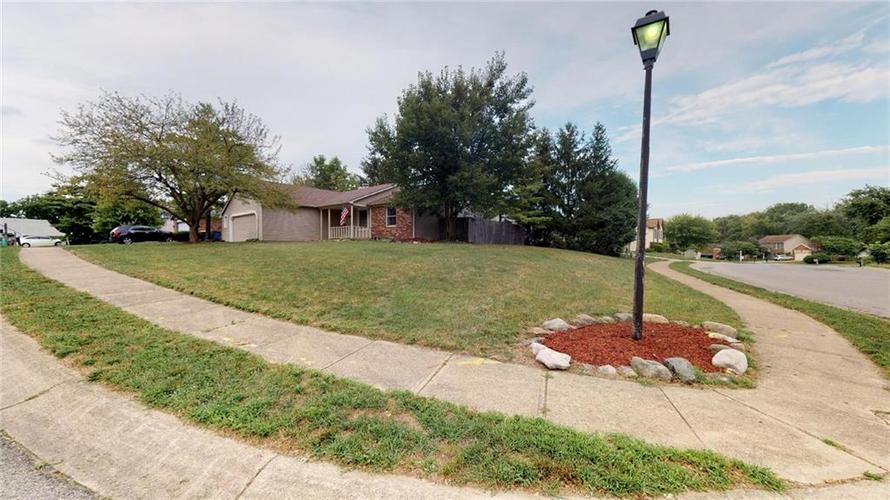6011 Mcclellan Court Indianapolis, IN 46254 | MLS 21662642 | photo 6