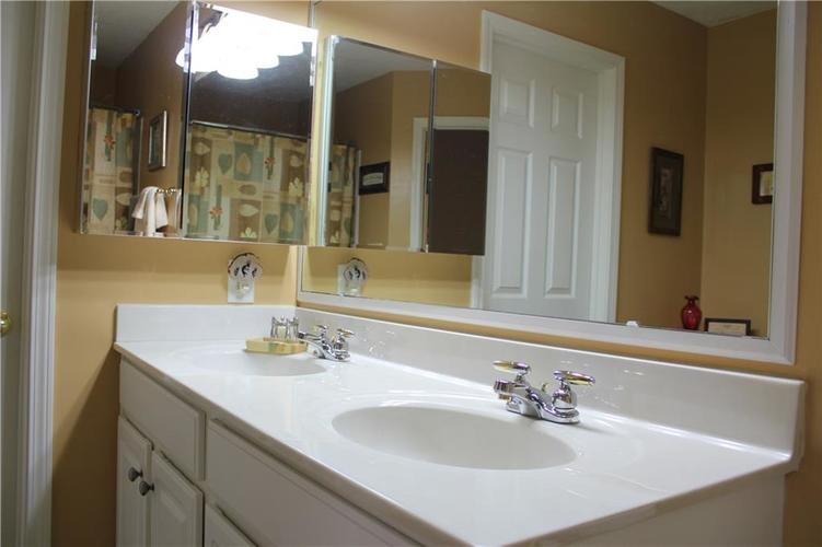 4062 Hennessey Drive Plainfield, IN 46168   MLS 21662649   photo 20