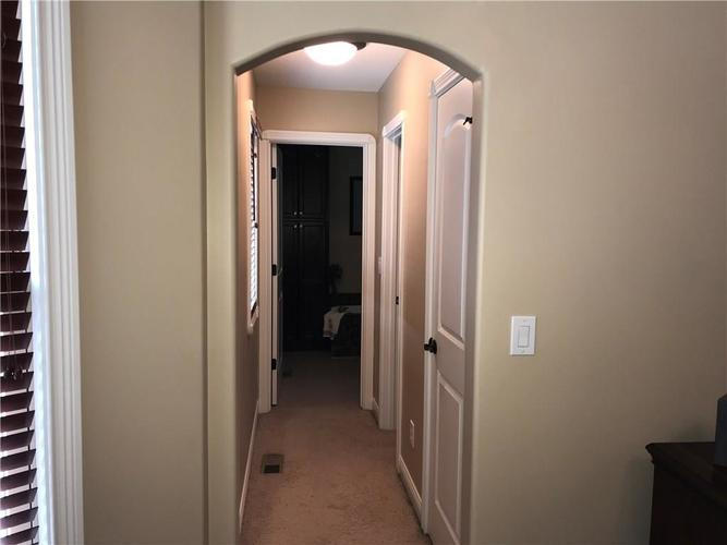1923 St James Place Columbus, IN 47201 | MLS 21662675 | photo 15