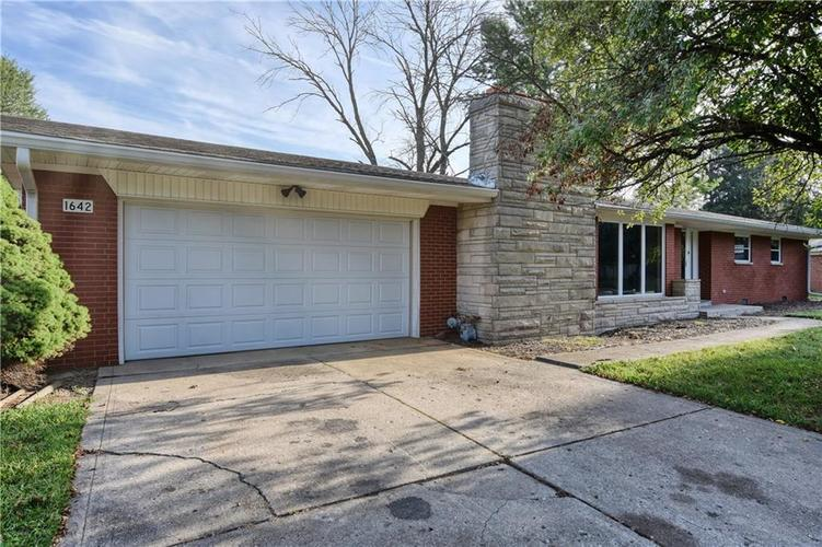 1642 W 63rd Street Indianapolis, IN 46260 | MLS 21662699