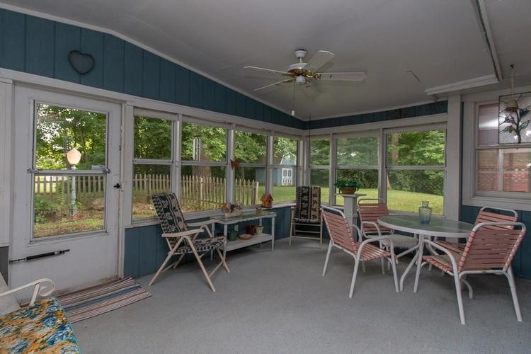 1236 OAKLAND Drive Anderson, IN 46012 | MLS 21662771 | photo 16